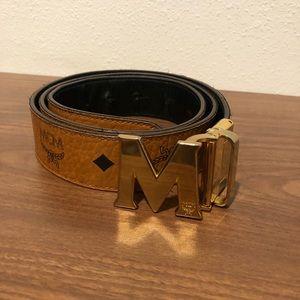 Reversible MCM brown and black men's belt size 42